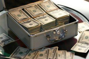 お金を手に入れて幸せになる方法